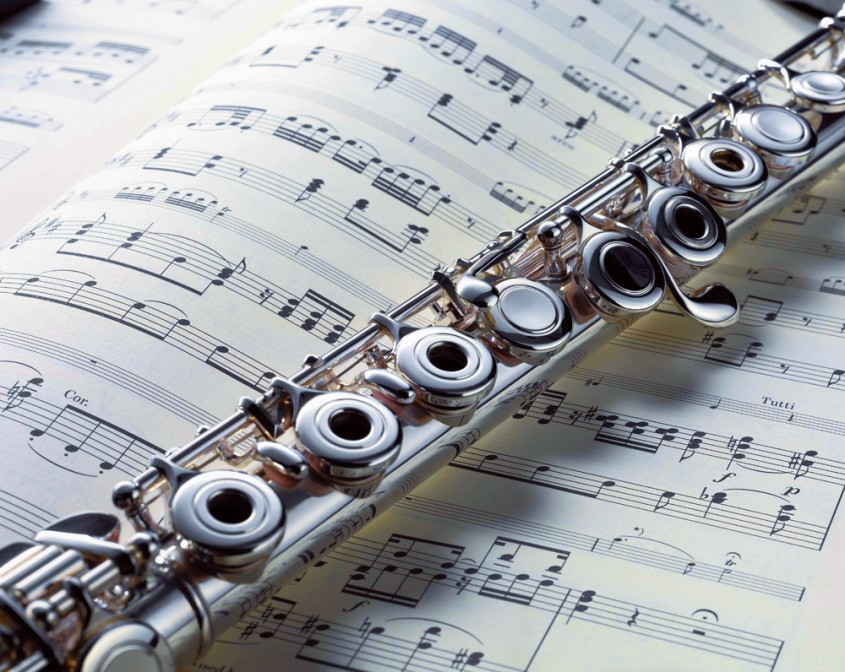 WELKOM BIJ SINGELEKE MUZIEKATELIER Je houdt van muziek? Je wilt dolgraag zelf muziek leren spelen? Op een speelse ontspannende manier, zonder examenstress? Klinkt dit als muziek in de oren? Dan is Muziekatelier...